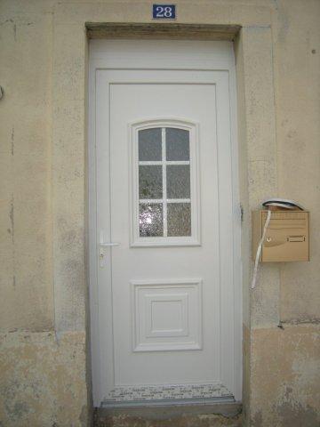 Entreprise spécialisée dans la pose de porte d'entrée Clermont-Ferrand